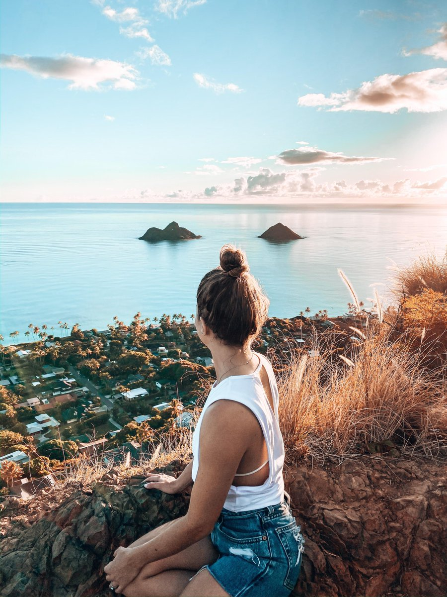 Looking back on the last few days like . Raise your hand if you were stoked for the sun  to finally make its way back out after a series of rainy days?  ⠀ ⠀ Lanikai Pillbox Hike, Oʻahu⠀  @mloiodice<br>http://pic.twitter.com/YyRovKYr9w