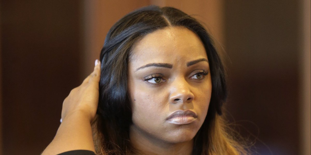 Bow wow deserves an Oscar for his performance in the role of Aaron Hernandez's girlfriend in the documentary 🏆
