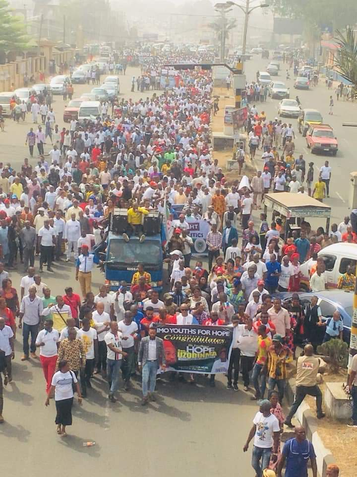 IMO people holds solidarity rally in support of new governor Hope Uzordinma.  The turn out was very huge.  If you Abuja me I will Imo you All politics is local. <br>http://pic.twitter.com/c0Xumr0yn3