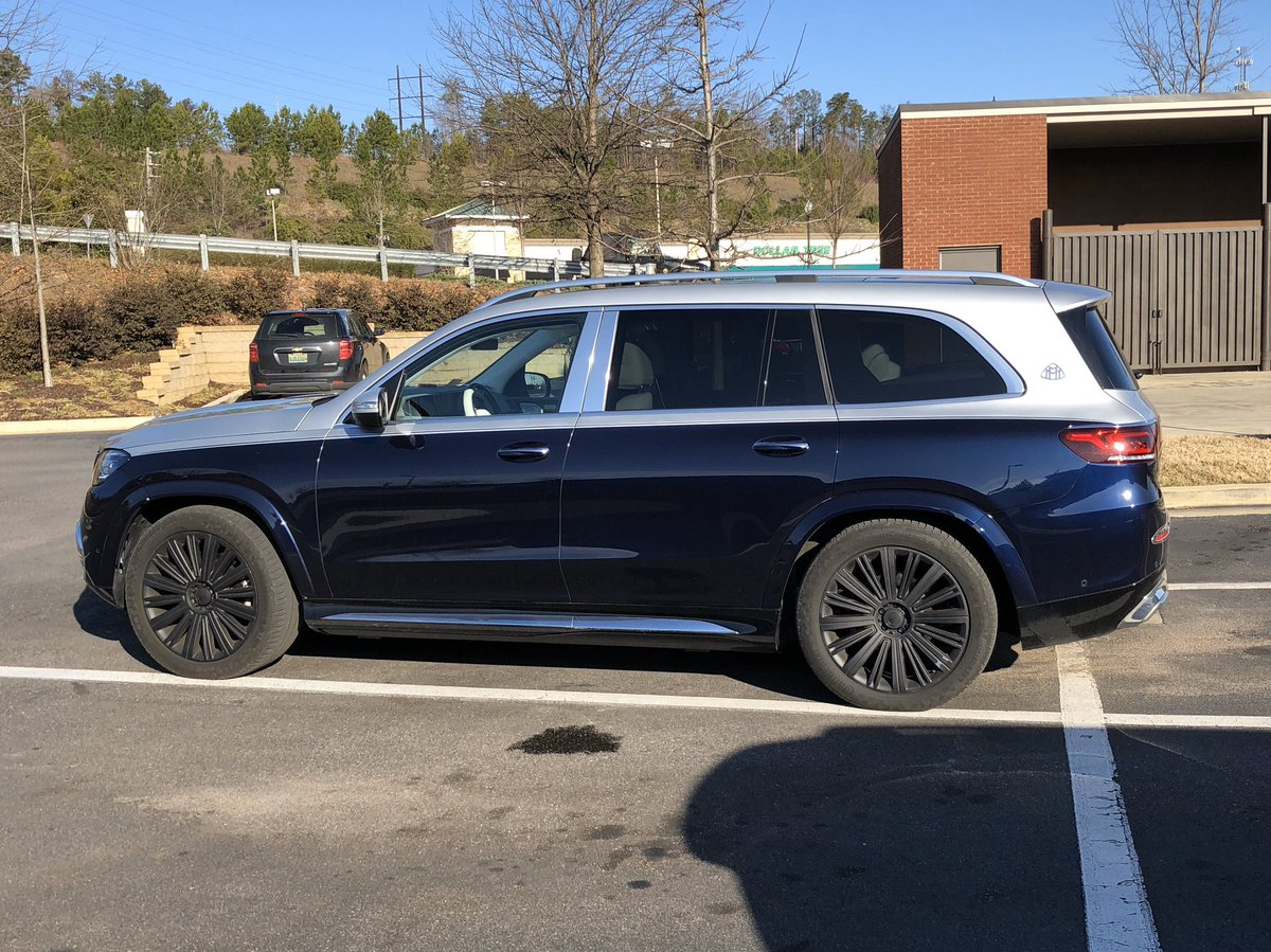 Spotted in Hoover, AL near the plant: The new 2021 @MercedesBenzUSA GLS 600 Maybach @CARandDRIVER @therealautoblog @MotorTrend @Boston_Auto @ClaytonEBarnett #Mercedes #Maybach