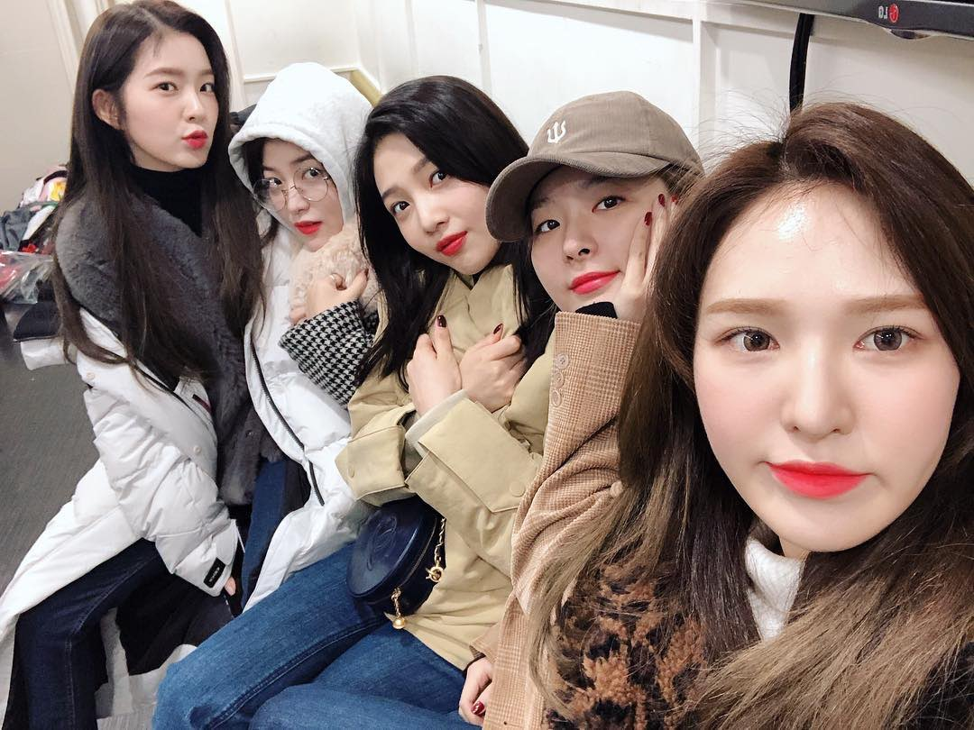 I'm so grateful to have found them. I think red velvet is my last group. Like the last and only group that I am stanning this hard. #2000DaysWithRedVelvet<br>http://pic.twitter.com/lYeTsTyrb5
