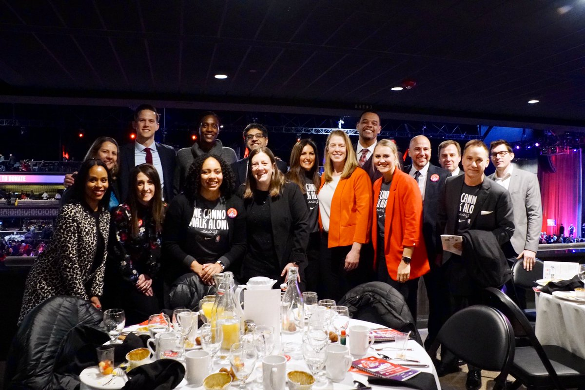 Timberwolves & Lynx staff, coaches, & players attended this morning's 30th annual #MLKBreakfastMN to celebrate Dr. Martin Luther King Jr.'s legacy and to support @UNCF Minneapolis. #MLKDay #PackGivesBack