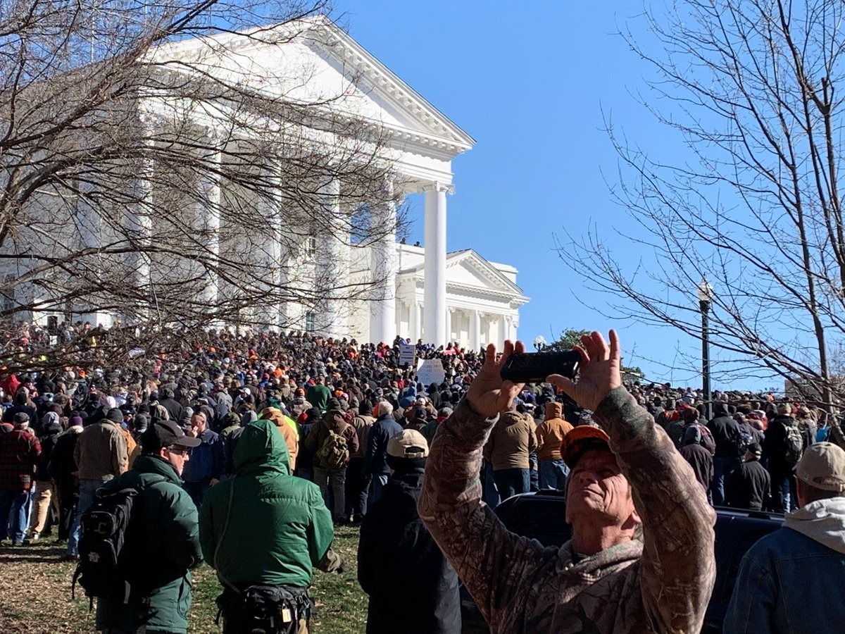 Virginia pro-gun rally: Despite anger, threats of insurrection, massive rally is carried out peacefully outside state Capitol