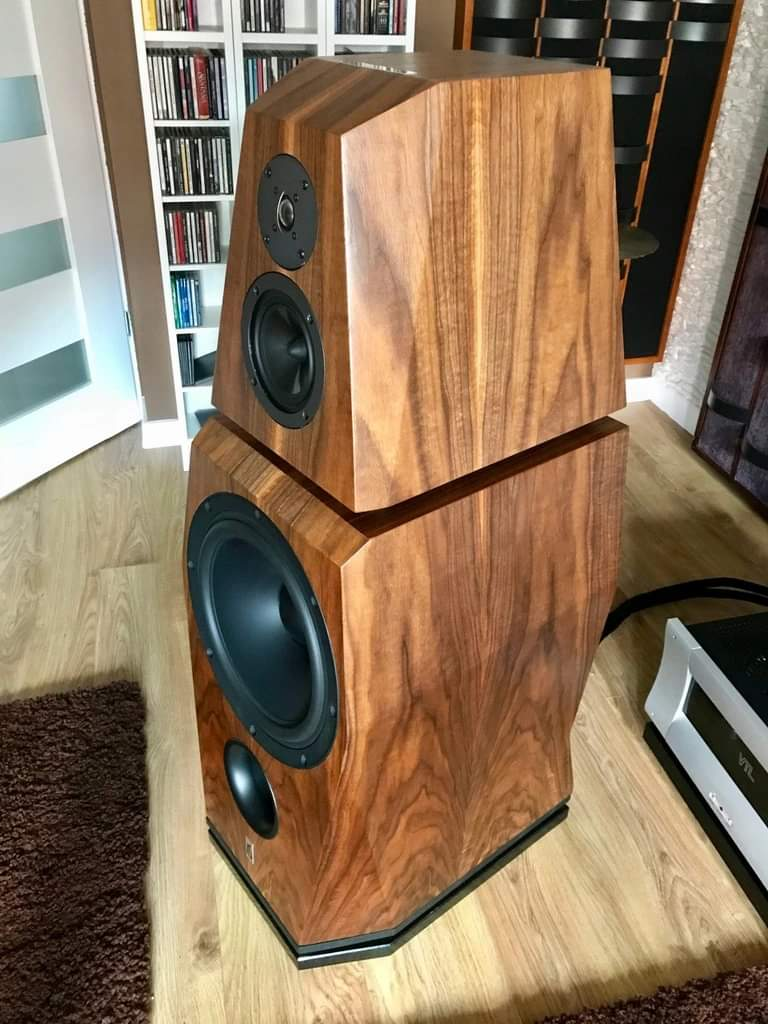 #AudioSynergy Modulo 3 speakers. <br>http://pic.twitter.com/u7MRY412a5