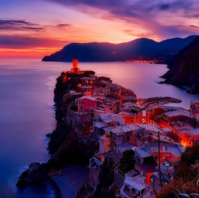 Sunsets for days! #WOW . Who do you want to share sunsets with in Cinque Terra? 🇮🇹 . #cinqueterra #italy #travel #sunset #travel #travelphoto #vernazza #travelinspiration #bucketlist #bucketlisttravel #europe #visiteurope #visititaly #explore #wander #wa… https://t.co/DP7R4IDQTa https://t.co/sbK0EonE5b