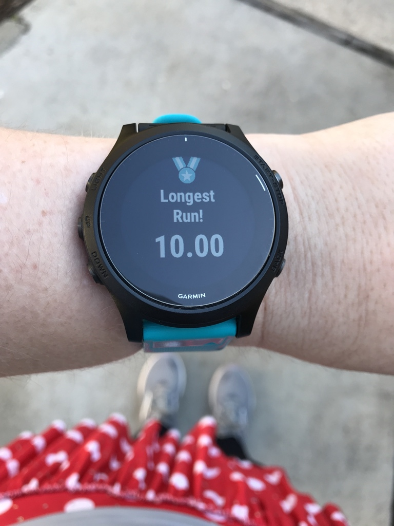 Got in some good runs this weekend. I am way behind in half training from some hypothyroid and postpartum blah. But I got in my first double digit run in ages. Slowwwww and lots of walking, but I got those miles under my feet. Complete with #teamsparkle flair lol #runhappy<br>http://pic.twitter.com/32VSa5Fsps