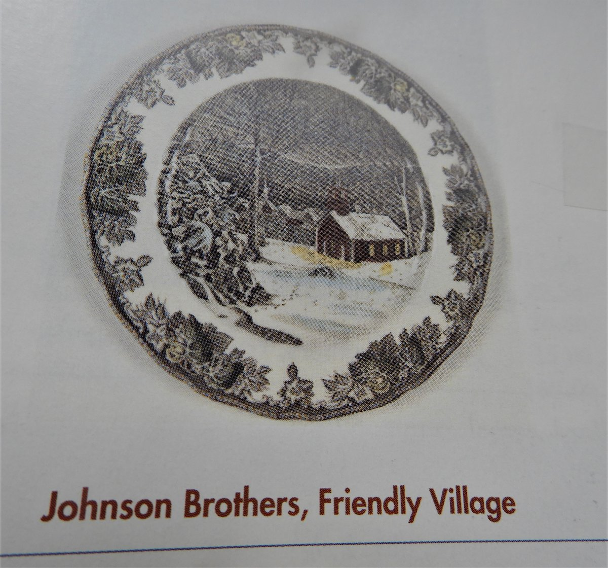 """Gracing many a table at Christmastime, this Johnson Brothers """"Friendly Village"""".  There are many different pieces to this. pic.twitter.com/s3eDqT2h7N"""