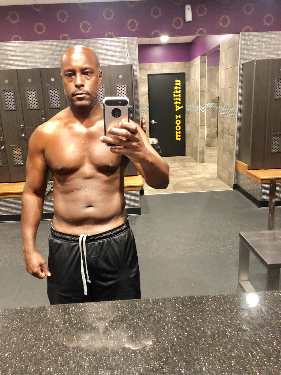 Still working on me. Work in progress! Chipping away a little bit at a time. Staying positive and focused as well as consistent! #transformation #dadbod #progress #gethealthy #motivated<br>http://pic.twitter.com/2Lv74okZ58