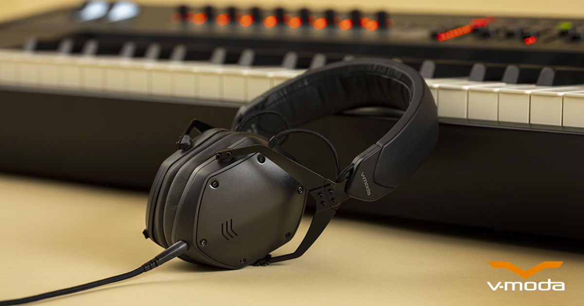 Speaking of #awardsseason...  M-200 has been named @CNET's #Best #New #Audiophile #Headphones of 2020  Find out why: http://vvv.moda/EvTz50y04Oo  Shop M-200 : http://vvv.moda/iiep50y04On  #M200 #StraighttotheSoundpic.twitter.com/aI6j7h4fjM