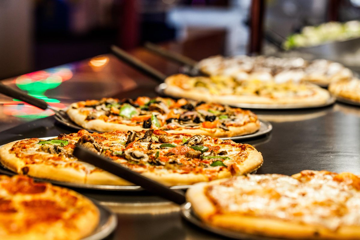 Happy Martin Luther King Day! Spend some quality time with your family at our All-You-Can-Eat Lunch Buffet with pizza, pasta, and salad options every Monday-Friday from 11am-2pm!   📍 Visit https://t.co/BeqFavT7yR to find a location near you. https://t.co/7Lr4rDWVDL