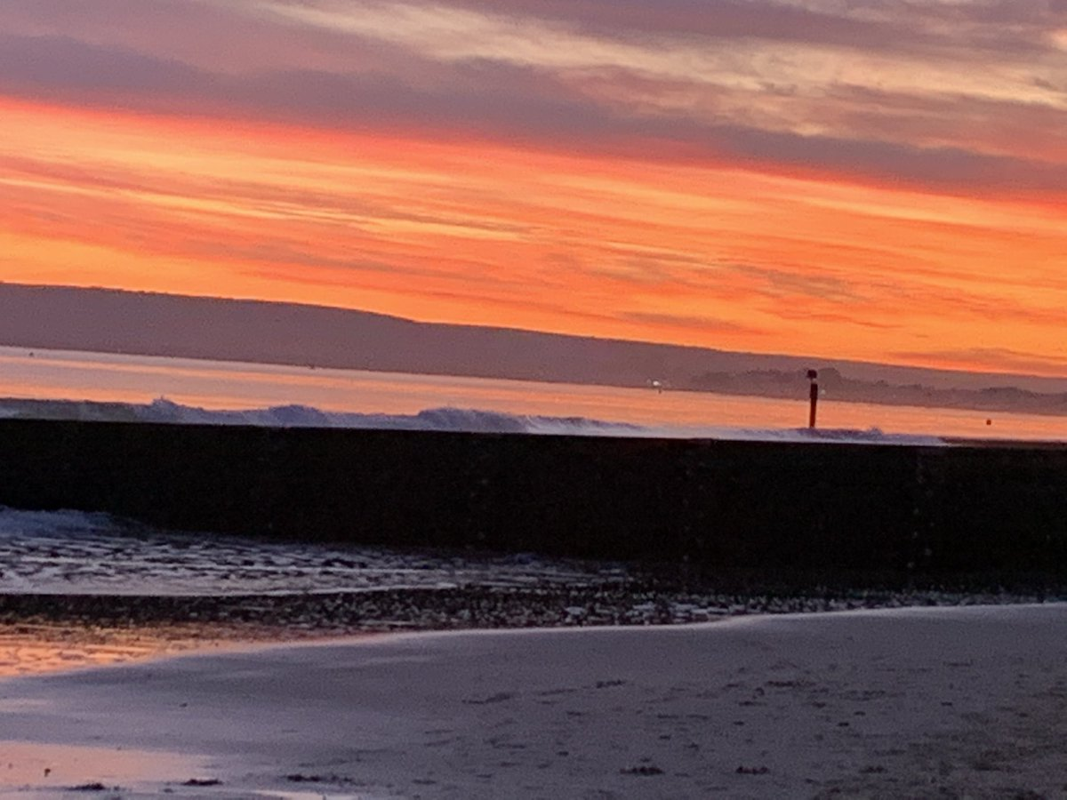 @Teach_on_beach @bmouthofficial @BCPCouncil Another beauty from Alum Chine beach at the weekend 🧡 #nofilter