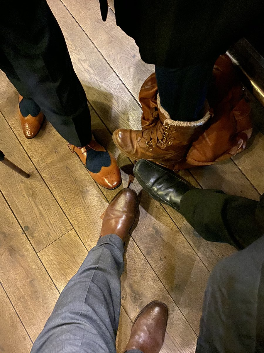The shoes for dinner - are two of those feet staff not guest?? #dresstoimpress #heelspic.twitter.com/rRcOk0yzwr