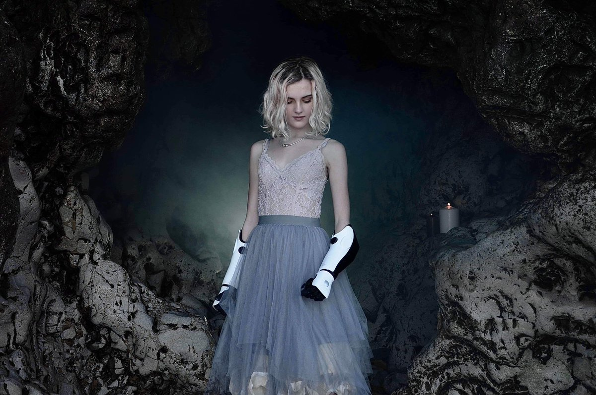 Beautiful Hidden Treasures of the North East coast #marsdengrotto #beachday #caves #modelling #teenmodel #bionicallybeautiful #HeroArm @openbionicspic.twitter.com/RJp0Sc0yTk