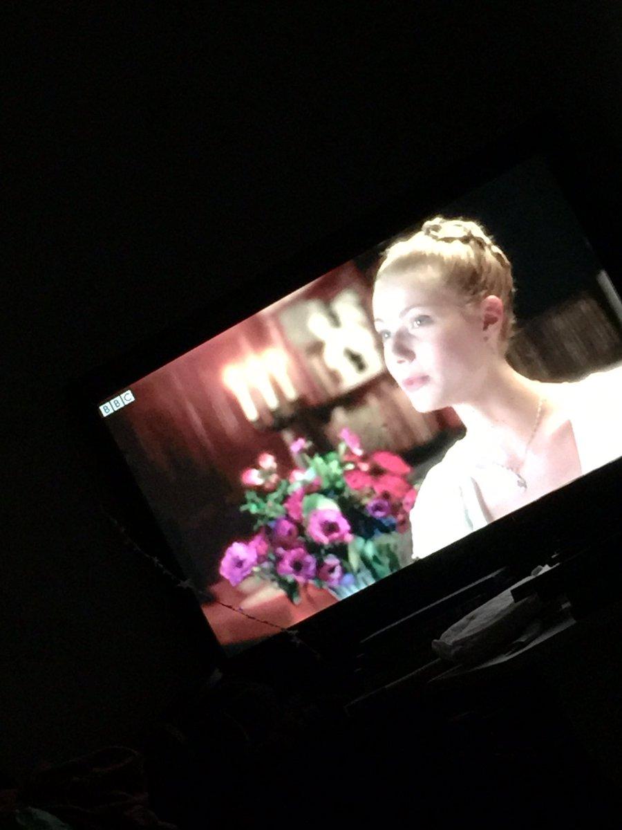 I've been loving @BBCiPlayer classic movies - tonight's feature Emma! Gwyneth Paltrow looks so young! #movienight pic.twitter.com/JpLXrZgjqA