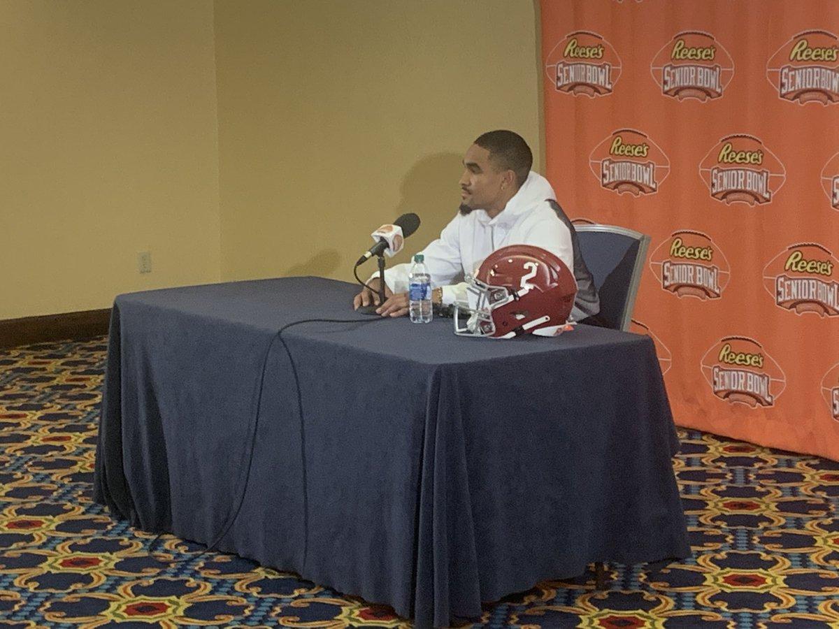 Jalen Hurts Will Wear A Custom Two-Logo Helmet During Senior Bowl