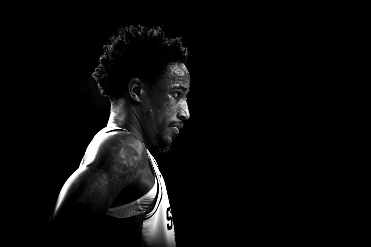 .@DeMar_DeRozan holds the second longest streak in NBA history with 20+PTS and 3+AST, while shooting 50% or better from the field:  19 - Wilt Chamberlain (1966) 13 -  DeMar DeRozan (2020)  #SpursFamily, let's send this man to the #NBAAllStar Game ➡️ http://spurs.com/vote