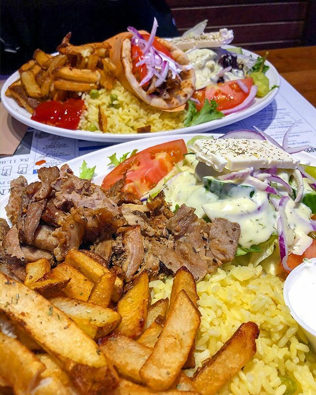 Me: I'll have the pork plate.  Waitress: the gyro or pita? Me: Ok. . . . . . Pork gyro by the pound and a pita plate. #shutupandeat . . . . . #eatfamous #feedfeed #dailyfoodfeed #onthetable #tastemade #eattheworld #eatermtl #foodiegram #foodies… https://ift.tt/37ju8hu pic.twitter.com/AourscUW9S