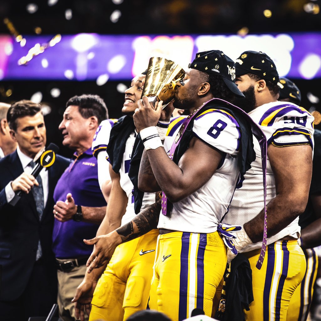 A week ago today // @LSUfootball <br>http://pic.twitter.com/3PvHRsNnss