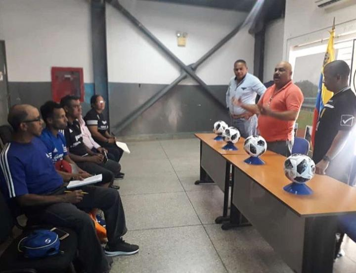 Deportes   La Guaira recibirá el Festival Evolución Conmebol de Fútbol Sala. #20Ene   https://www.vargasesnoticia.com/la-guaira-recibira-el-festival-evolucion-conmebol-de-futbol-sala/…pic.twitter.com/3VMRERnZXI