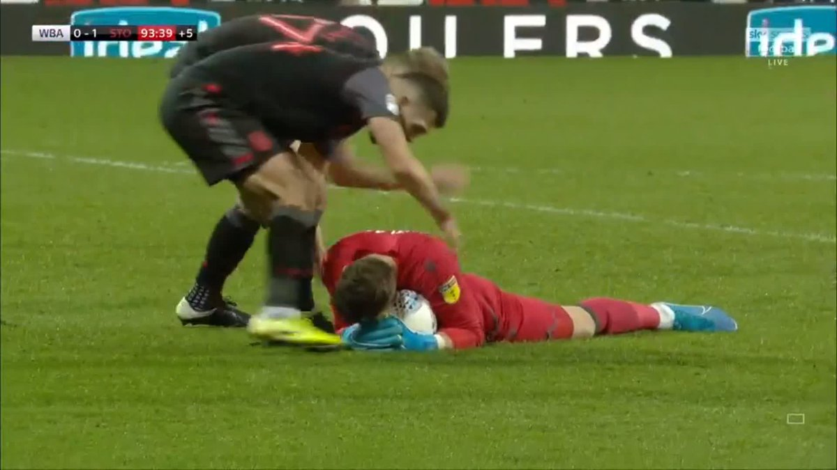Image for the Tweet beginning: Heroics from Jack Butland to