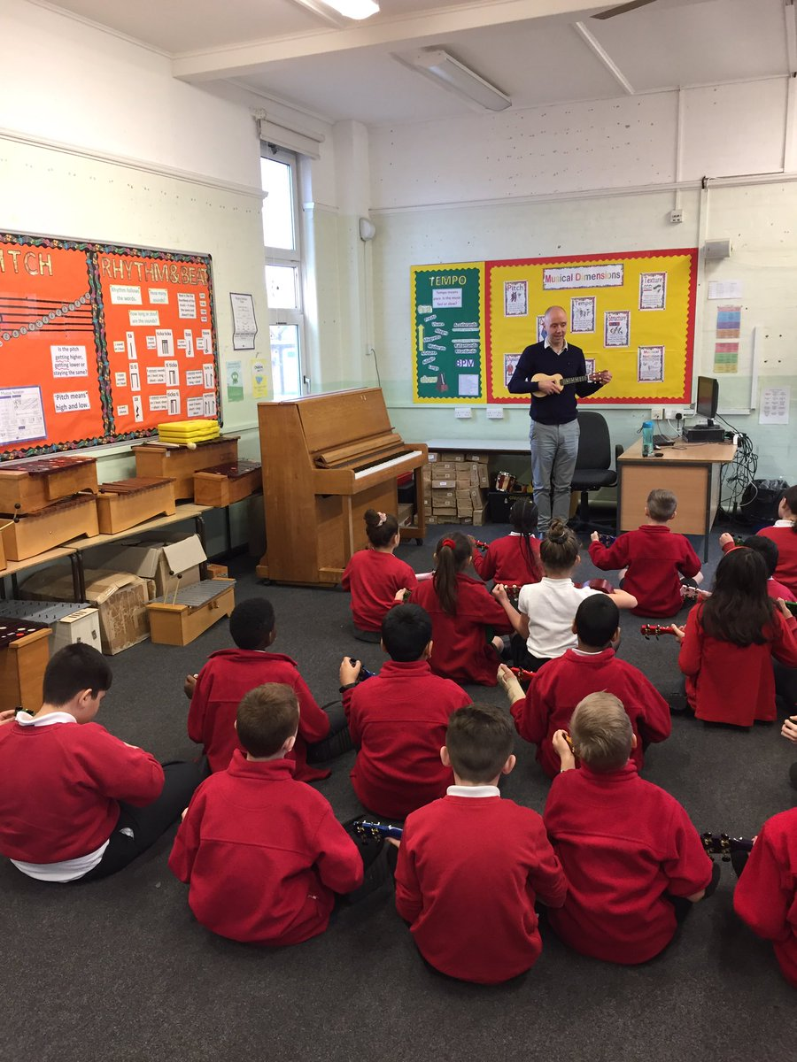 Mr Harknett and Hummingbirds tuning up their ukuleles. We are very lucky to have his musical prowess at Tweeddale!   <br>http://pic.twitter.com/TYKzlobKZo