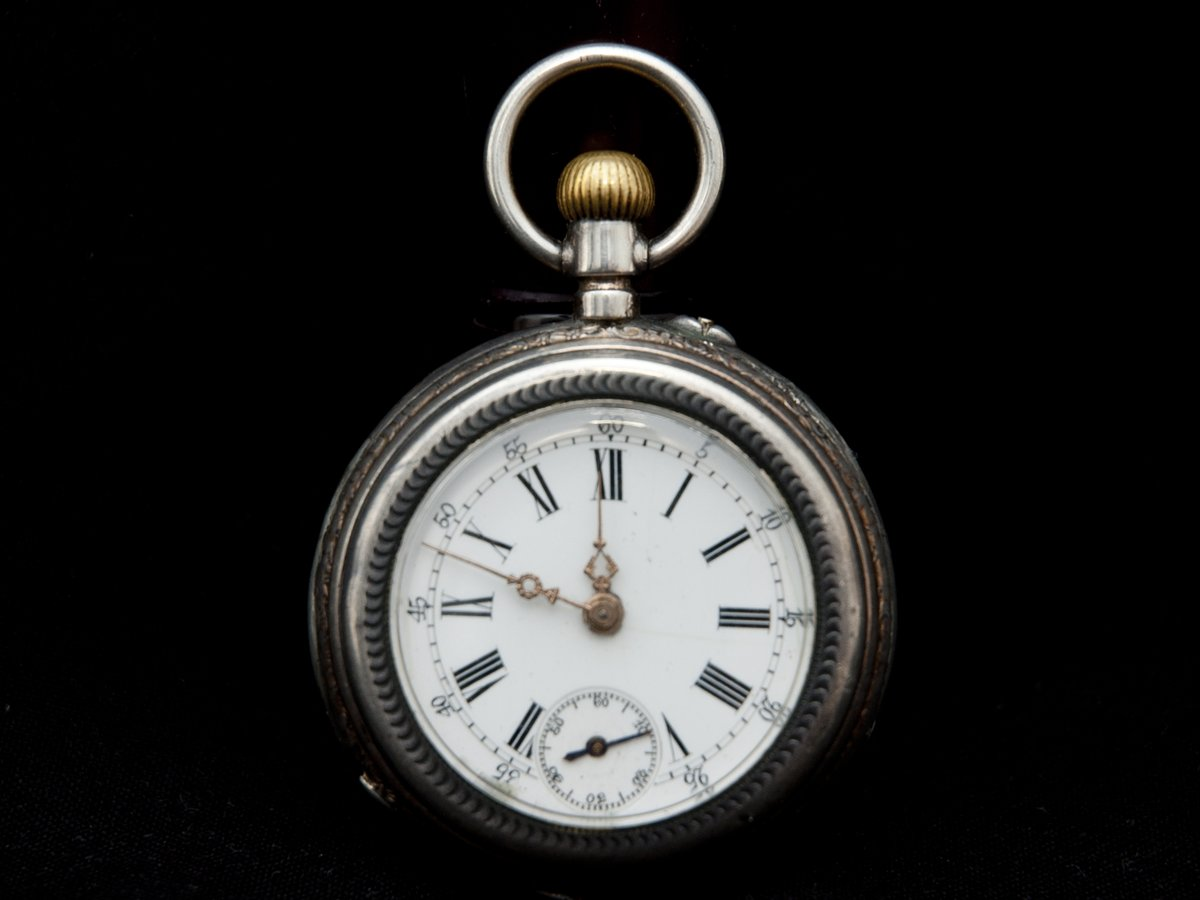 Woohoo! Soon to be online @chrono24: these two excellent pocket watches: an Elgin from 1890-1910 & Breguet Spiral 1875! Very excited!! #antiques #vintagewatches #pocketwatches #steampunk #vintage #oldbutgood