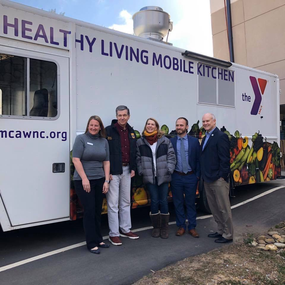 Thank you @NC_Governor & @FLONC for taking time to tour the @ymcawnc and learn all that we are doing to help get produce, healthy meals, and nutrition education to families across #WNC #YForAllpic.twitter.com/hW1p38Z3LU