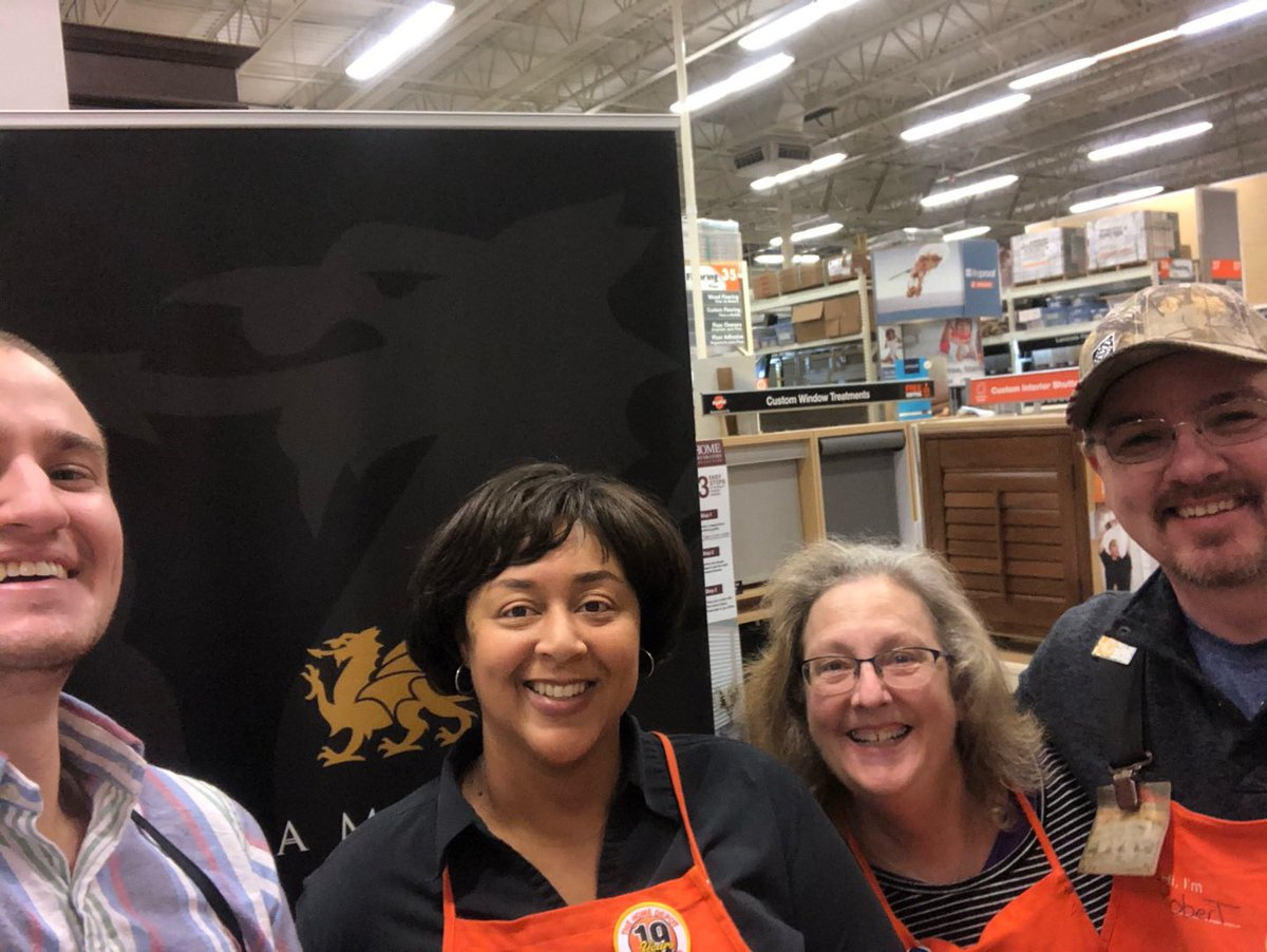 #InHomeDesigner Miller spent time in 4634 to spread the word about #MakeoverMagic and simplifying leads to 3 questions 1.) What project brings you in? 2.) DIY? 3.) When can we send our team out? #EasyAs123 #OneTeam #2020Vision @JMHagner @jsh_thd @gloria_terri @forman_melvinpic.twitter.com/FbmksuU219