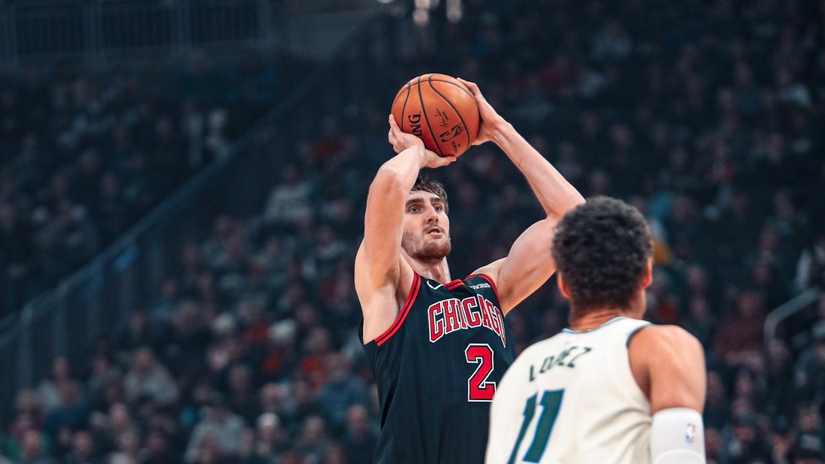 We brought the touch to Milwaukee today...the #Bulls have hit 9 triples already halfway through the second quarter.