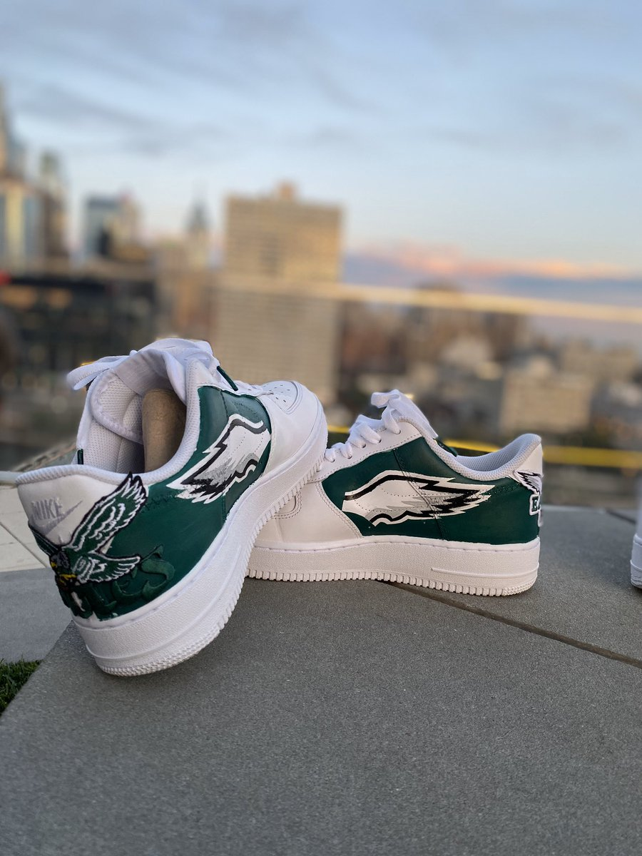 The Bird Way 🦅 Check out these Air Force 1 customizations. @Eagles @EaglesComms @PHLEaglesNation @EagleFanProbs #Eagles #Philadelphia #GoBirds #airforce1 #TTP #TempleUniversity #rfbrandlesscustoms #customshoes #af1custom #kicks #snkrs