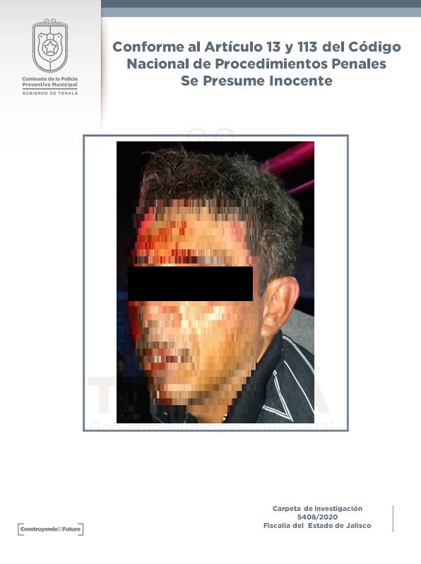 """En el recorrido de vigilancia en la colonia Loma Dorada #Tonalá, luego de una persecución y tras colisionar con una unidad oficial, logramos detener a Omar """"N"""" y Edgar """"N"""", los cuales abordaban una camioneta Mitsubishi, placas FTB-1181, la cual cuenta con reporte de robo vigente.pic.twitter.com/xO4Q6jUy8S"""