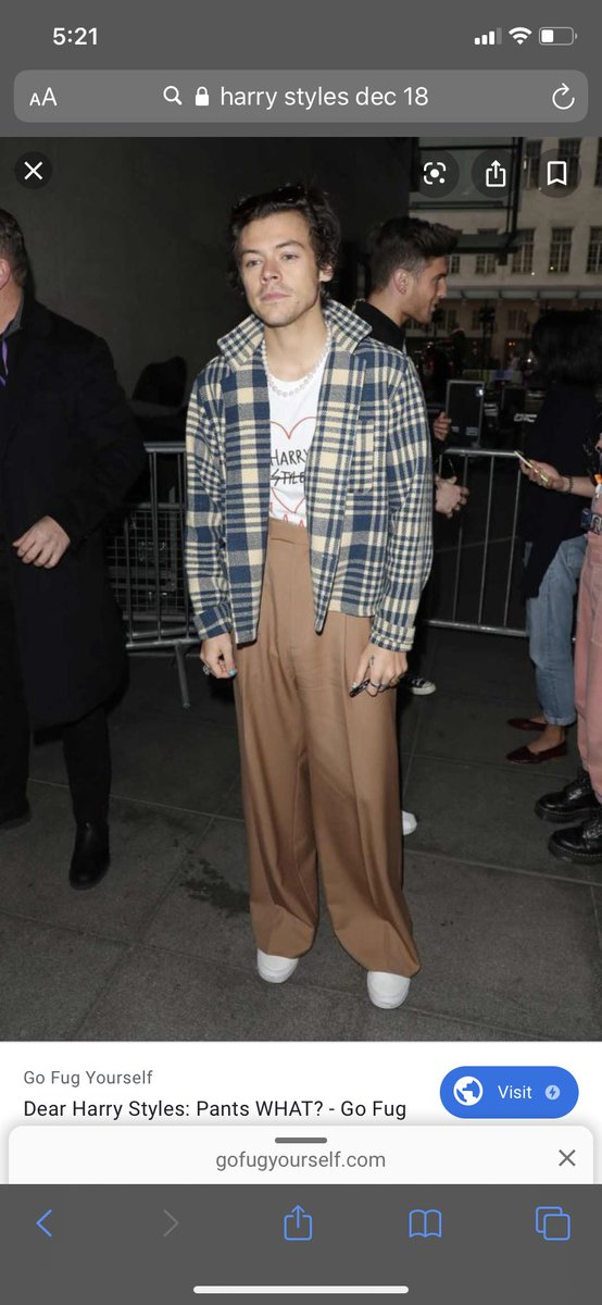 """google """"harry styles (your bday)""""  and that's the fit harry's wearing when he kills u, here's mine  <br>http://pic.twitter.com/QKA4rnfS22"""