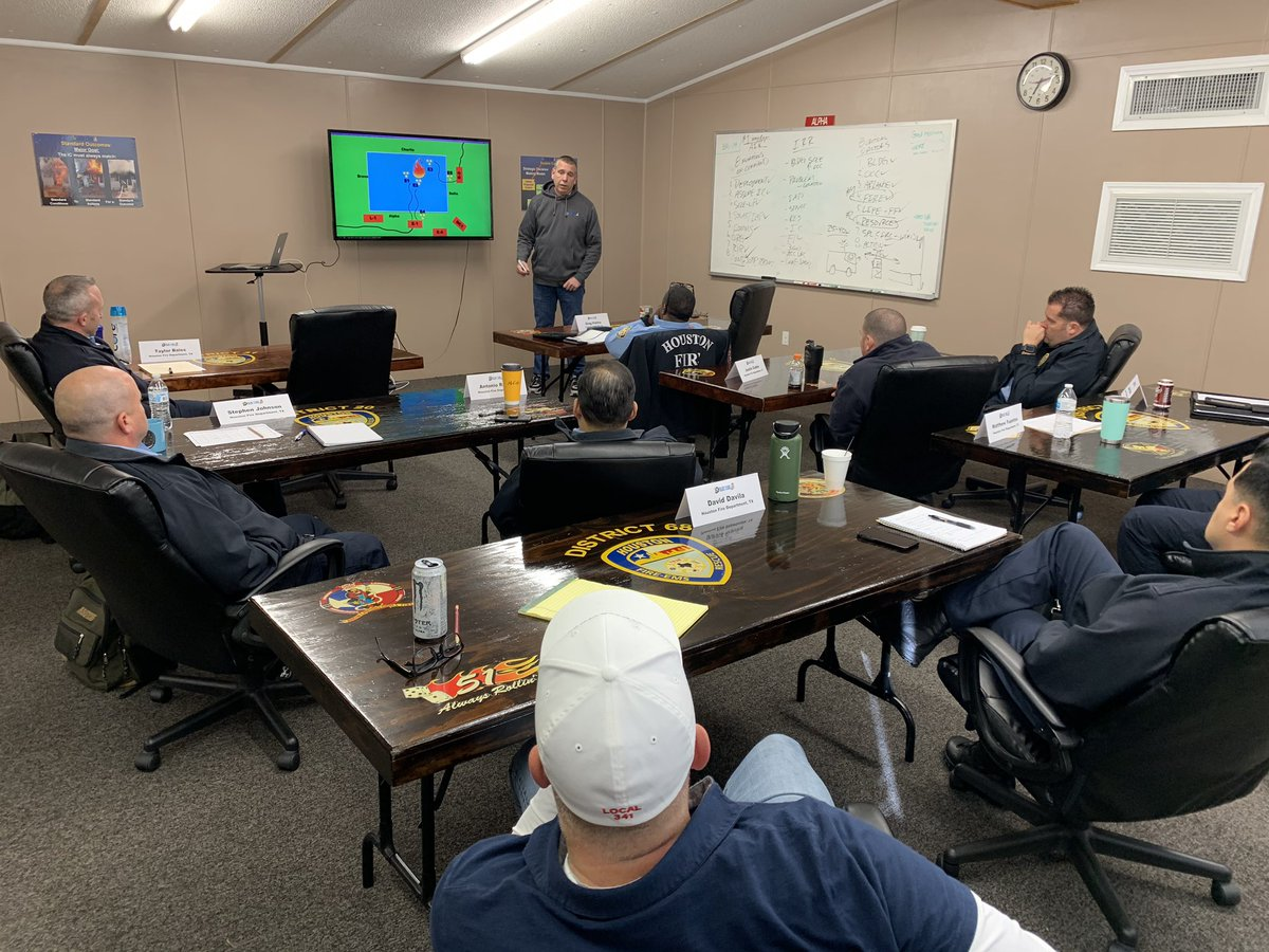Blue Card makes its way back for the 1st of 2 scheduled Blue Card train the trainer sessions at Houston Fire Department.  @bluecardmaker presenting day 1 PP before we start simulating.   @GlaserSean @captwilliamson  HFD  continues to train and certify Made and acting officers.pic.twitter.com/DX6nY1pRua