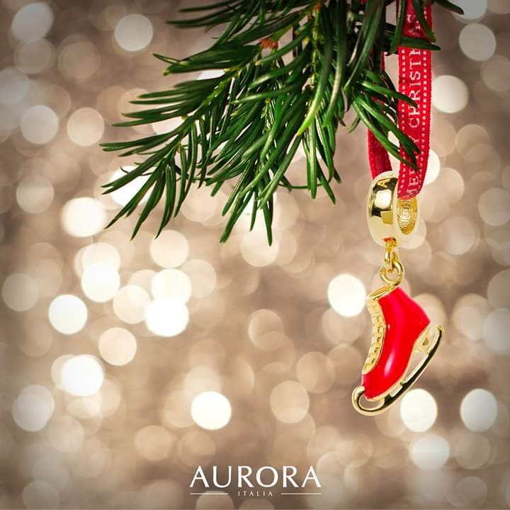 It's the most wonderful time of the year! Share the joy with our Skate and Dance charms to celebrate the season.   Discover more: https://www.auroraitalia.net/   PG Code(introducer) : PG00076516  #AuroraItalia #Auroracharm #18kgold #bangle  #iceskate #gift #presentpic.twitter.com/T90KresTl9