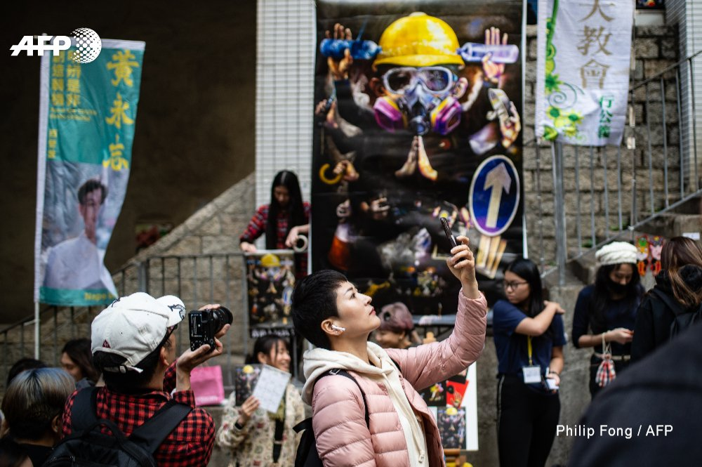 Protest-themed Lunar New Year fairs spring up across Hong Kong to raise money and morale for the city's pro-democracy movement http://u.afp.com/3Z6z