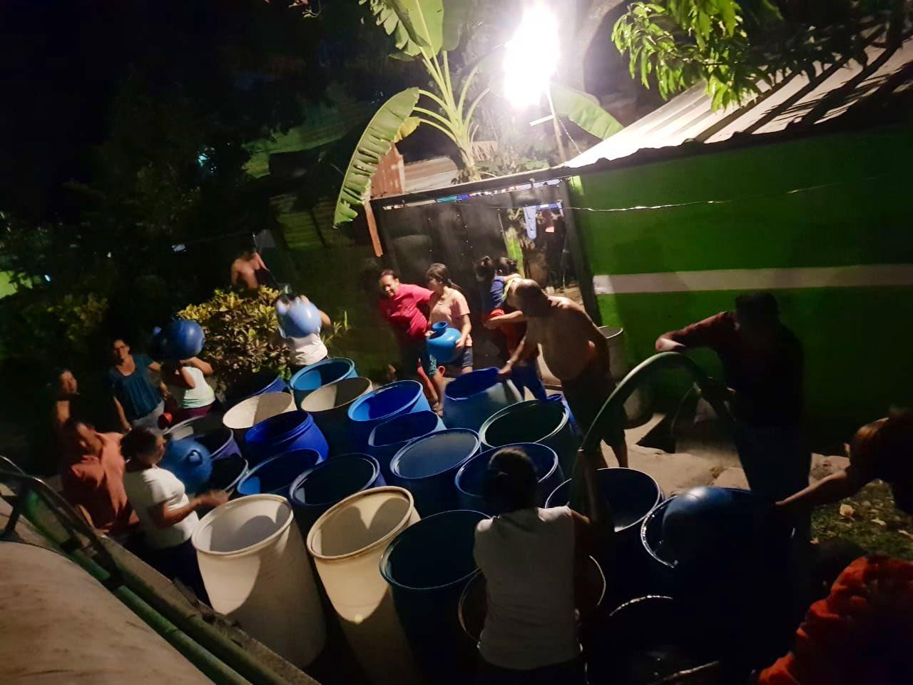 El FMLN reitera que no votará para privatizar el agua