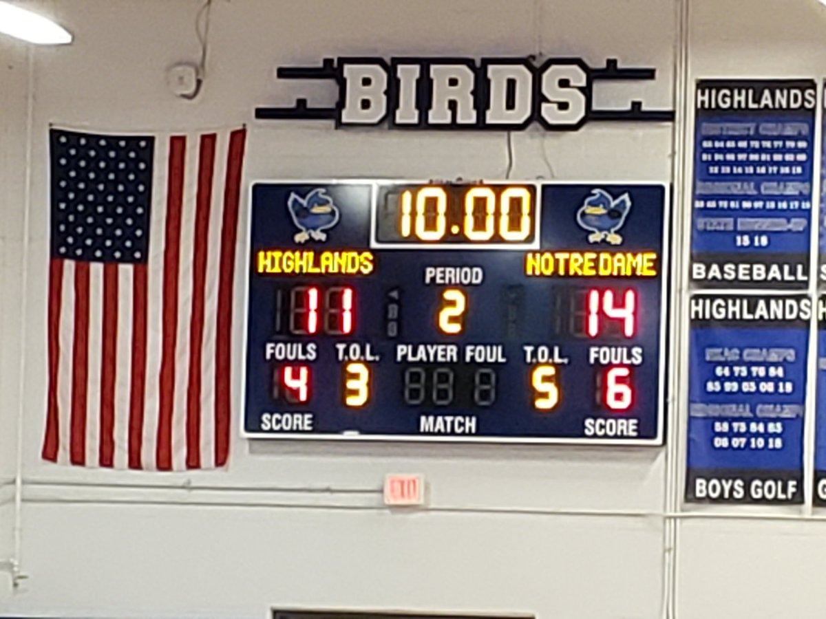Halftime at HHS and @Birds_BBall trails Notre Dame 14-11. #gobirds