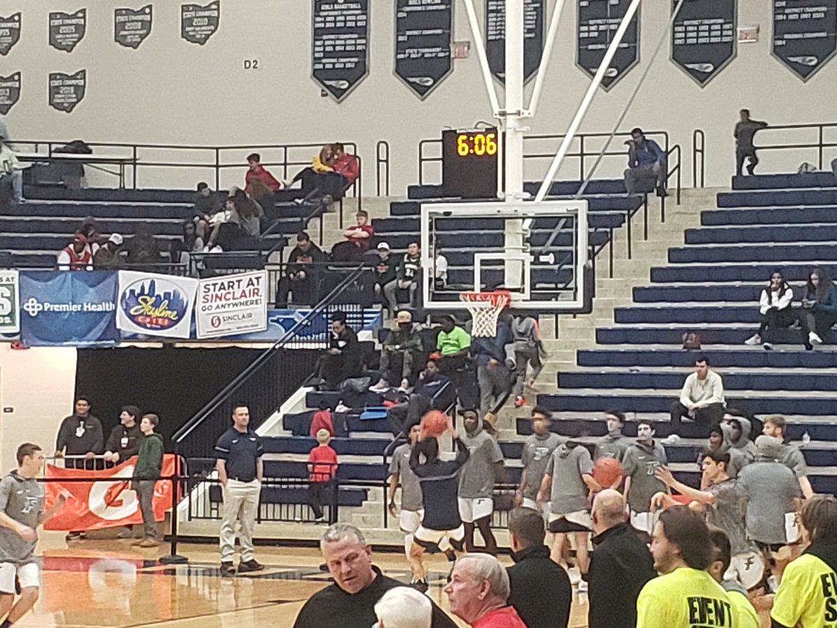 The @KFHSFirebirds are ready to close out a great @FlyinToTheHoop weekend! #WeAreFirebirds #GoBirds