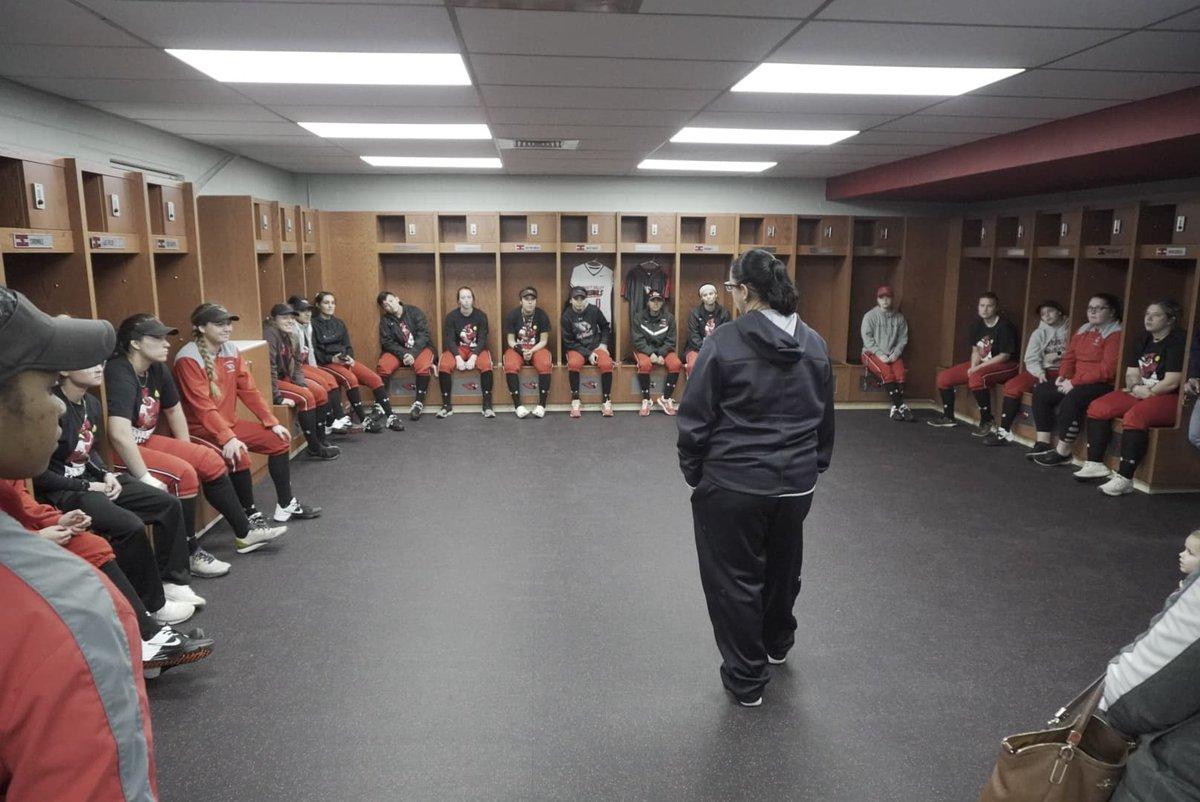The new Cardinal softball locker room at Cardinal Fitness Center was revealed tonight. <br>http://pic.twitter.com/OaU2hjZGbq