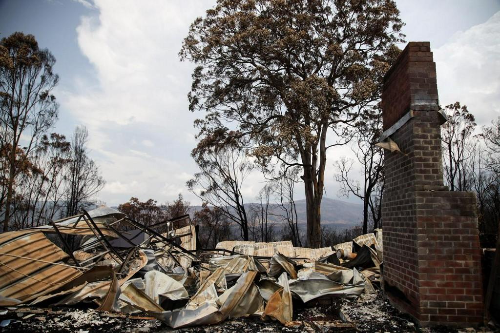 Australian bushfires fires hit coal output, conditions to worsen https://reut.rs/38Balub