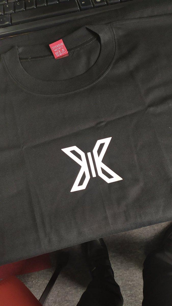 Finally got my Son Dongpyo shirt.  #X1 #NEWX1_have_rights  #X1_New_flight #x1_당신만_바라본다 #rebranding_x1 #SonDongpyo  @official_DSP @x1members @x1official101<br>http://pic.twitter.com/iMreLcQOui