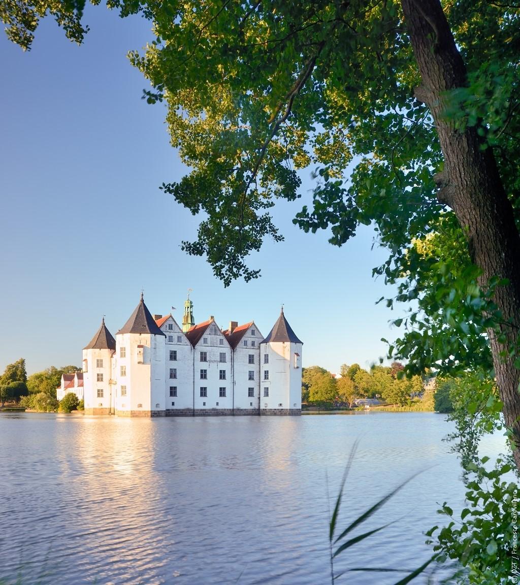 """ドイツ観光局 on Twitter: """"湾の向かいはもうデンマーク。 ドイツ最北 ..."""