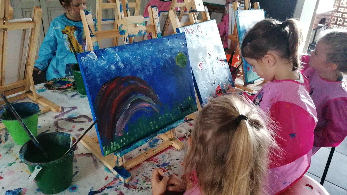 Nos stages pendant les vacances scolaires du 17 au 26 février inclus Nous organisons des stages artistiques pour les enfants dès 5 ans : dessin, peinture, modelage, mangas, aquarelle...Chaque enfant apprend à créer une toile s https://modo.ly/2SHKKce...pic.twitter.com/DZ45O36wlJ