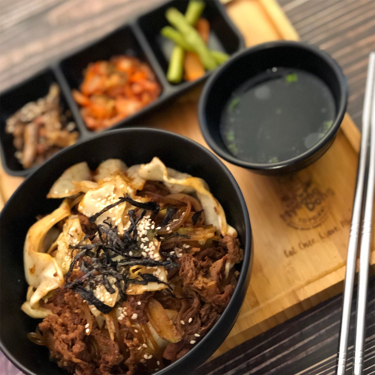 Bulbogi Beef Deopbap 불고기 덮밥 (Stir-Fry Marinated Beef Rice) comment below and let us know your favourite in our store! . #myeongdongtopokkipic.twitter.com/HdY6MMGIvA