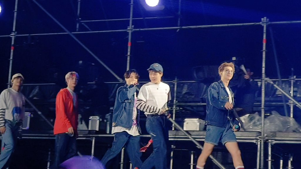 I'm so happy to be with u at 5th muster Busan  @BTS_twt<br>http://pic.twitter.com/RiGfpcUg7U