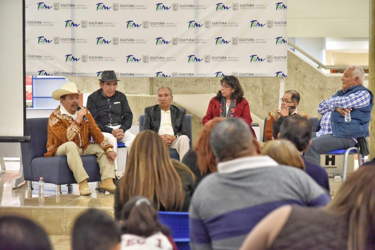Entre experiencias y anécdotas exdirectores rememoraron sus participaciones con el Conjunto Típico Tamaulipeco en la conferencia de celebración de su 62 aniversario en el marco de actividades del 'Mes de Tamaulipas y sus Raíces'. #TradicionesYRaíces
