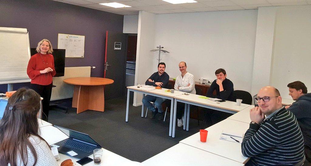 Présentation du @RsoEntreprendre ce matin pour nos #entrepreneurs, à #Rouen 👥👥👥 #créateurs #entreprise #entrepreneuriat #startup #accompagnement #conseils https://t.co/O8xMIVs1PT