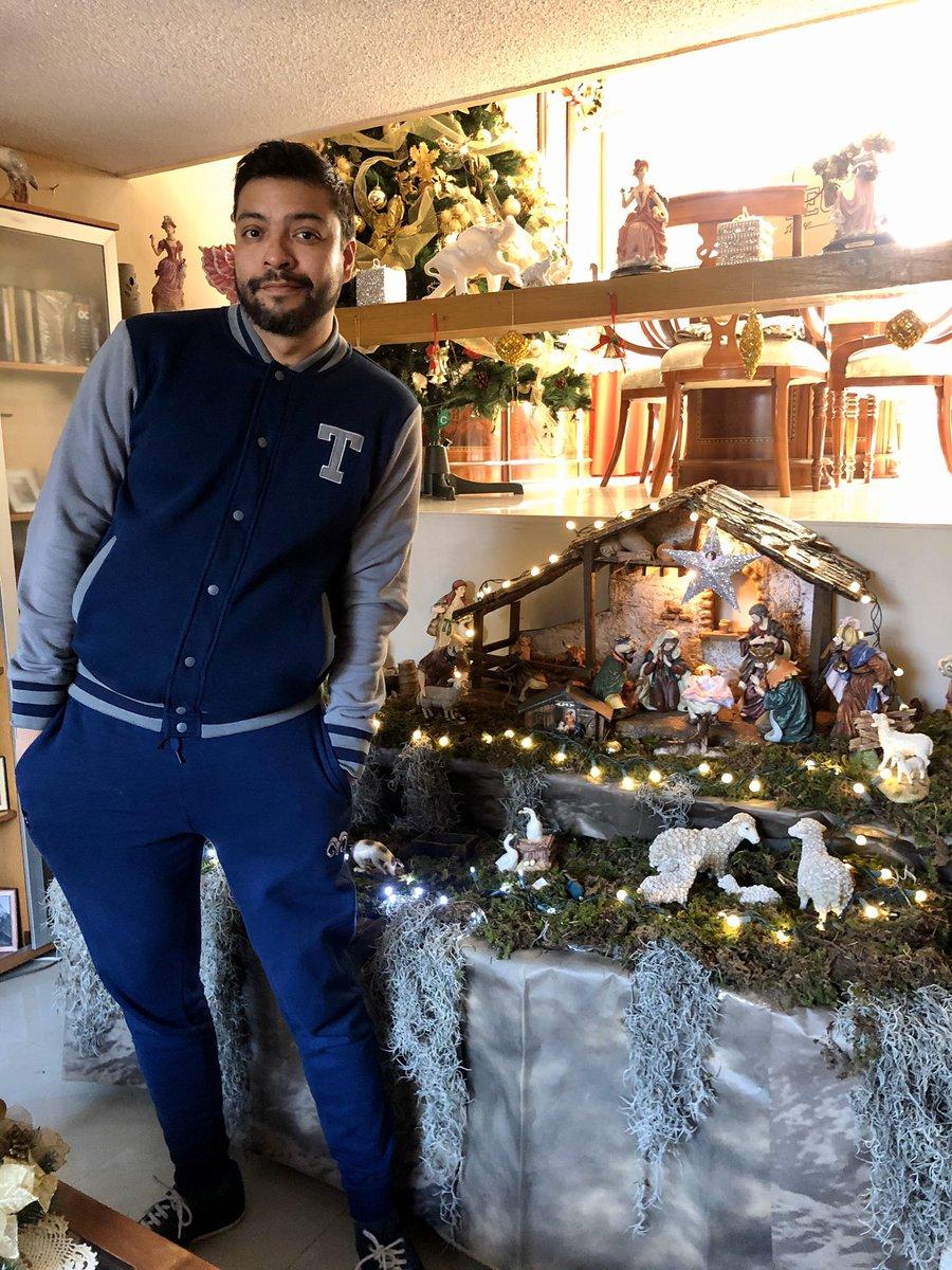 Am I the only one still missing Christmas? ¿Soy el único que aún extraña la Navidad? #missing #xmas #belen #nacimiento #mexican #culture #traditions #home #xmastree #lights #sportwear #sporty #deporte #navidad #sporty #arboldenavidad #menswear #casualstyle #sportlife pic.twitter.com/6Z3WZEr8yi