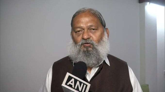 ANI quoets Haryana Home Minister Anil Vij on reports of him asking CM ML Khattar to remove CID chief: He is not giving me intelligence inputs despite asking for it repeatedly. It can pose a major threat to tranquility & harmony in the state... I have no dispute with the CM.
