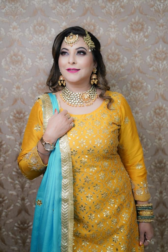 Sharing my #wedding look by my most amazing team of #Amritsar.  #Outfit By Maninder Kaur (Manu Design Studio)  #Jewellry By Ganpati Jewellers  #MakeUp by Jai Babbar  #Hair By Shawan